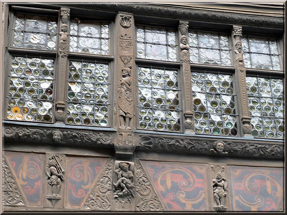 Strasbourg,autour de la cathédrale, maison Kammerzell, détails de la façade