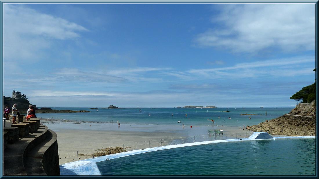 Dinard, piscine d'eau de mer et île du Fort Harbour