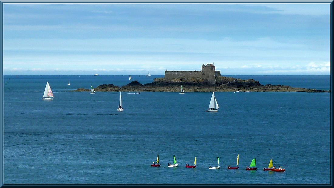 Dinard, vue sur l'île du Petit Bé