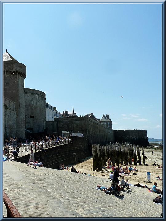 Saint-Malo, accès aux remparts
