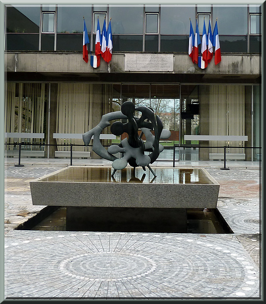 Grenoble, Hôtel de ville, cour centrale