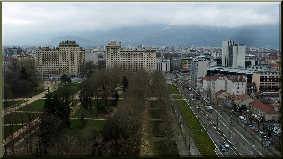 Grenoble, parc Paul Mistral et Grande Poste