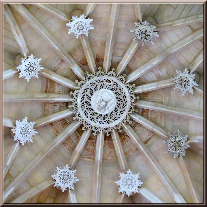 Batalha, voûte étoilée de la chapelle du Fondateur