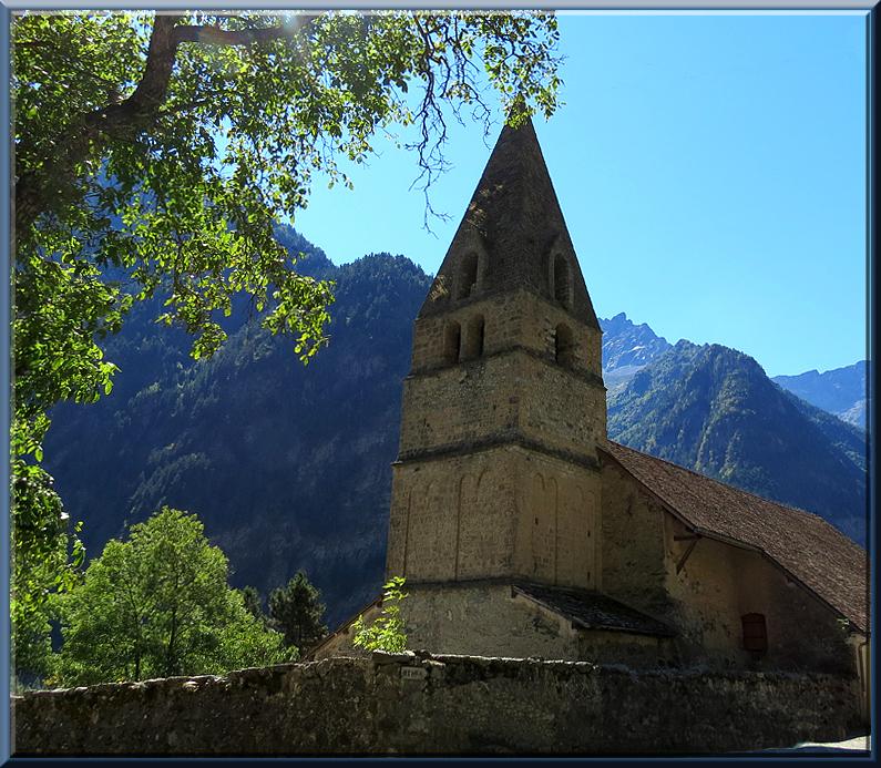 Eglise de St Maurice dans les Hautes Alpes
