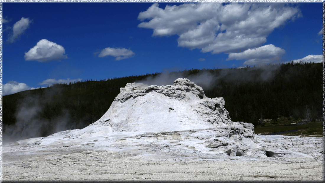 Yellowstone, Castle Geyser
